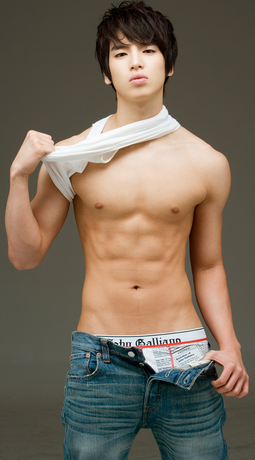 Shirtless Gallery 24  Boy Collector-1334