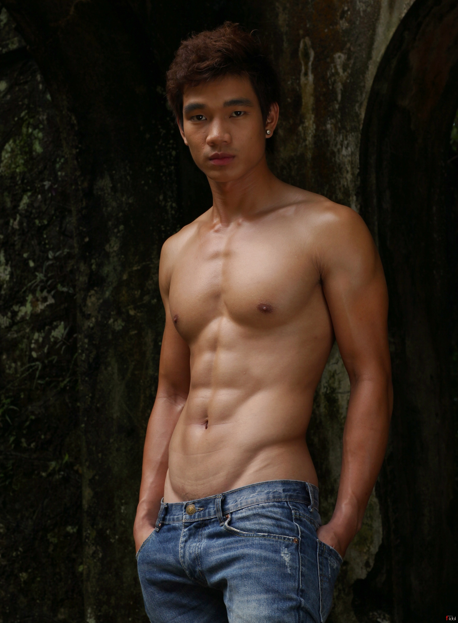 Shirtless Gallery 37 | Boy Collector